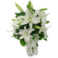 Send White Lily Vase 5 Flower with Rakhi to India for brother
